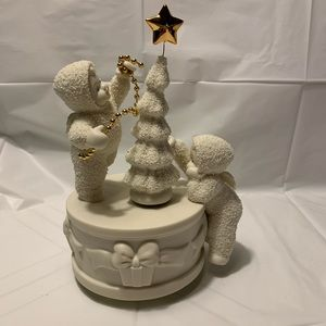 Snowbabies O Christmas Tree Rotating Music Box